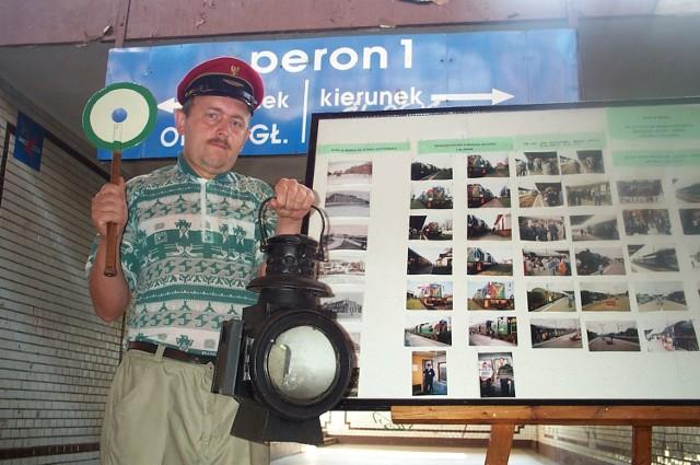 - Nigdy nie pracowałem na kolei, ale miłością do pociągów zaraziła mnie cała moja kolejarska rodzina - mówi Waldemar Matkowski.