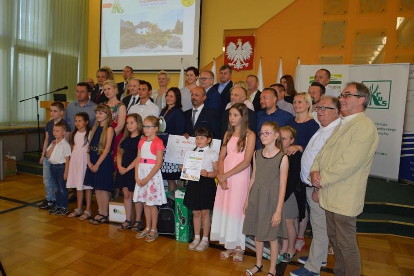 W ubiegłym roku laureaci konkursu plastycznego KRUS dla uczniów zostali nagrodzeni podczas uroczystej gali w Opolu.