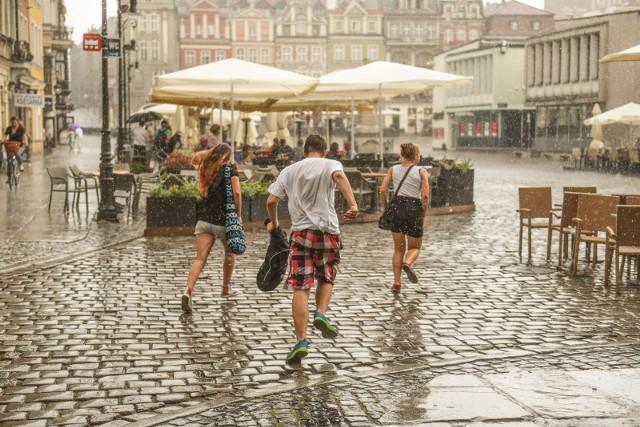 Burza w Polsce. Gdzie jest burza? Sprawdź przez Internet!ZOBACZ TEŻ: Pogoda w Poznaniu i Wielkopolsce - prognoza na dziś i jutro, prognoza długoterminowa