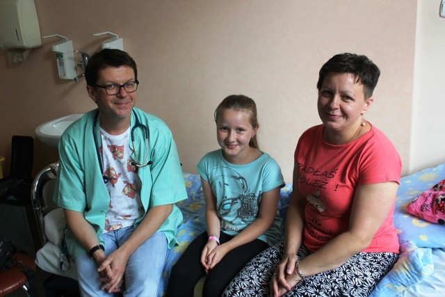 Doktora Jarmolińskiego mali pacjenci uwielbiają, a ich rodzice bardzo cenią.