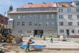 """Najmniejsze mieszkania na wynajem w Poznaniu. Mieszczą się w dawnej """"Skarbówce"""""""