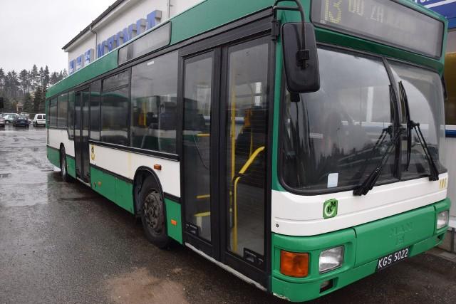 Stare, spalinowe MAN-y (na zdjęciu) zastąpią autobusy elektryczne