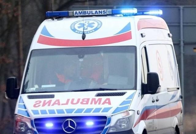 Rowerzysta został przewieziony do szpitala w Zielonej Górze.