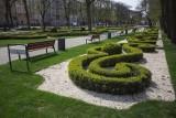 """""""Ławka dla mieszkańca"""" - Miasto chce, aby ławki z rewitalizowanych parków trafiły w inne miejsca"""