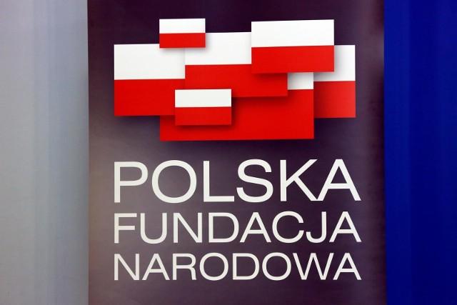 Miliony dolarów przez dwa lata zapłaciła Polska Fundacja Narodowa amerykańskiej firmie za promocję naszego kraju