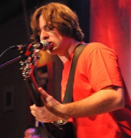 Arek Tyda (gitara i wokal)