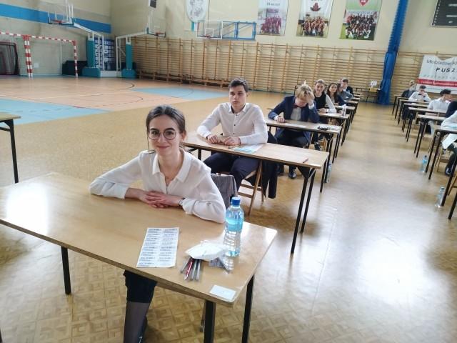 1364 uczniów gorzowskich szkół średnich przystąpiło we wtorek do egzaminu dojrzałości.