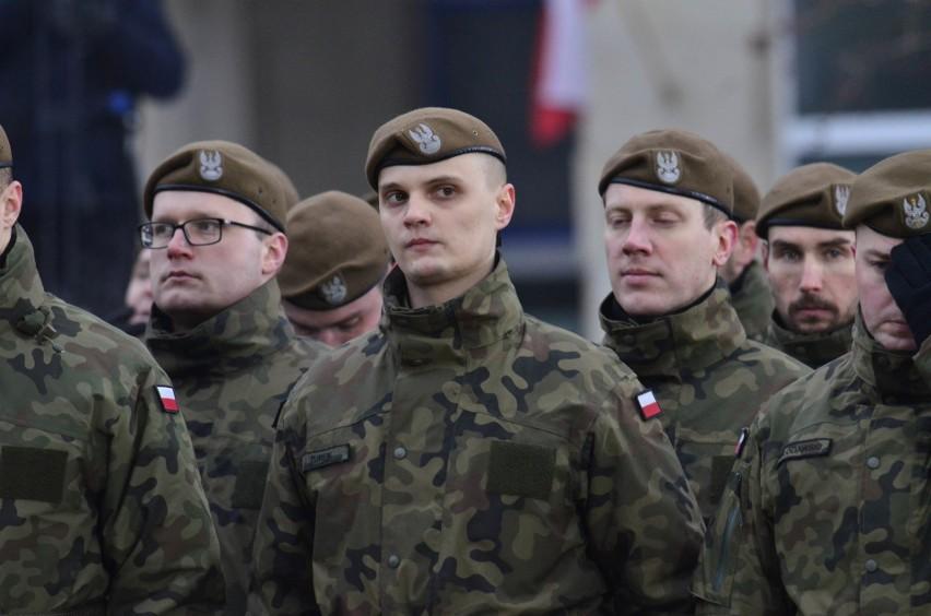 W sobotę na placu Wolności w Poznaniu uroczystą przysięgę...