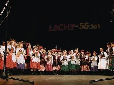 """""""Lachy"""" mają w programie wiele tańców z terenów górskich, w tym oczywiście najwięcej sądeckich Fot. (WCH)"""
