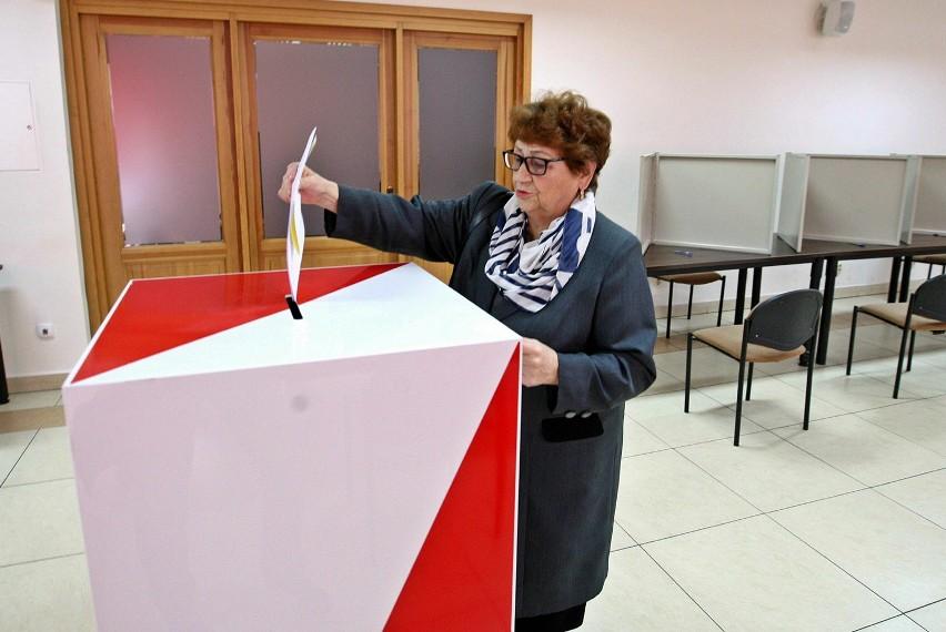 Starogard Gd. Komisja wyborcza nr 7