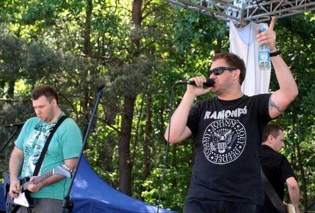 Gwiazdą imprezy był zespół Pączki w Tłuszczu, którego wokalistą jest znany aktor Tomasz Karolak.
