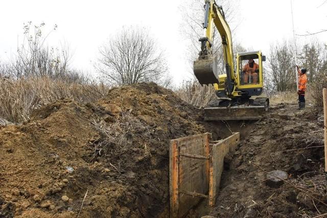 Budowa kanalizacji z Funduszu Spójności w Golkowicach w gminie Wieliczka. Wkrótce takie prace rozpoczną się także w Mietniowie i Pawlikowicach