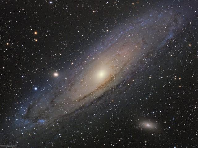 Galaktyka Andromedy zwanej również M31, a wcześniej - Wielką Mgławicą w Andromedzie.