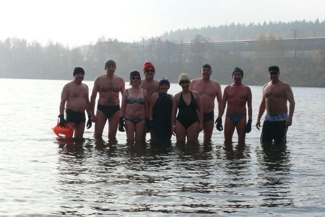 Kąpiel, w wodzie której temperatura wyniosła zaledwie kilka stopni trwała około 8 minut