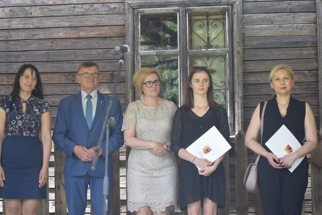 Nagrody finansowe dla sportowców z powiatu sieradzkiego wręczone