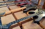 Wojsko sprzedaje sprzęt muzyczny. Są gitary elektryczne, basowe i części zamienne. Przetarg AMW