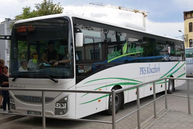 Komunikacja miejska w Kluczborku i w Byczynie ma być uszyta na miarę małych miast: będzie mieć tylko po jednej linii, a w Byczynie mieszkańców będzie wozić gminny mikrobus.