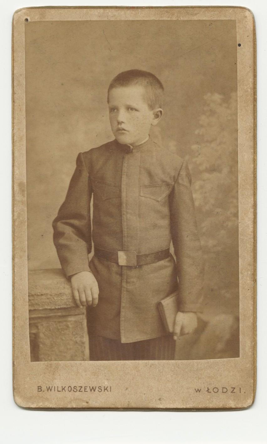 1900...