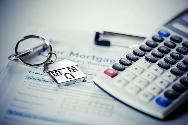 Oprócz mieszkań sprzedawanych na kredyt można zaobserwować tendencję do coraz częstszego kupowania lokali za gotówkę.