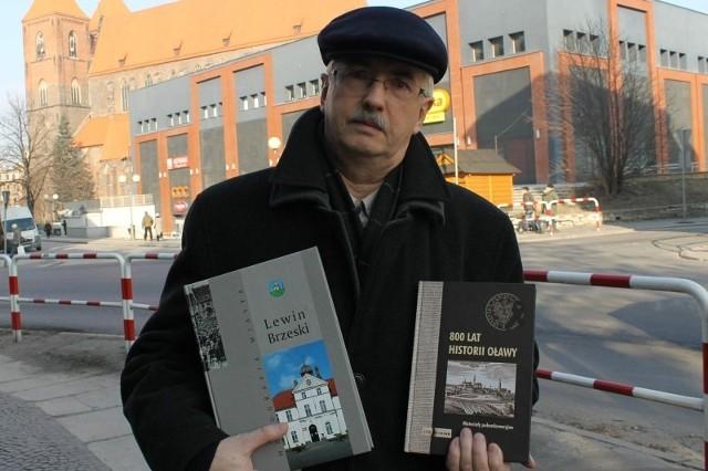 - Lewin ma swoją monografię, ukazała się też publikacja poświęcona Oławie, więc dlaczego nie my? Na początek chcemy wydać album z fotografiami wykonanymi przez mieszkańców z lat 1945-2010 - zapowiada Zdzisław Bagiński.