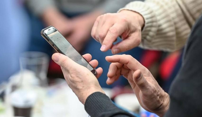 Zdaniem ekspertów rządowa aplikacja ProteGo nie gwarantuje użytkownikom zabezpieczenia przed śledzeniem