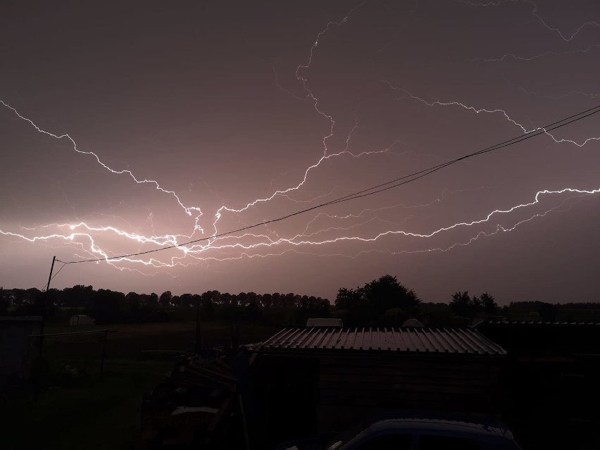 Nad Słupskiem przeszła ogromna burza. Zobaczcie jak...