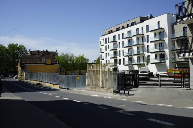 Nie będzie dochodzenia w sprawie wyburzenia magazynu portowego przy Szwajcarskiej. Deweloper opłacił karę i rozpocznie prace nad inwestycją. Ze starego magazynu zostanie odbudowana jedynie elewacja, która ma zostać wtopiona w nowoczesny budynek.