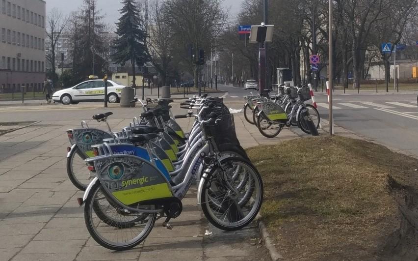 Miejskie rowery zniknęły z łódzkich ulic z końcem listopada ubiegłego roku. W tym roku nie jeździły.