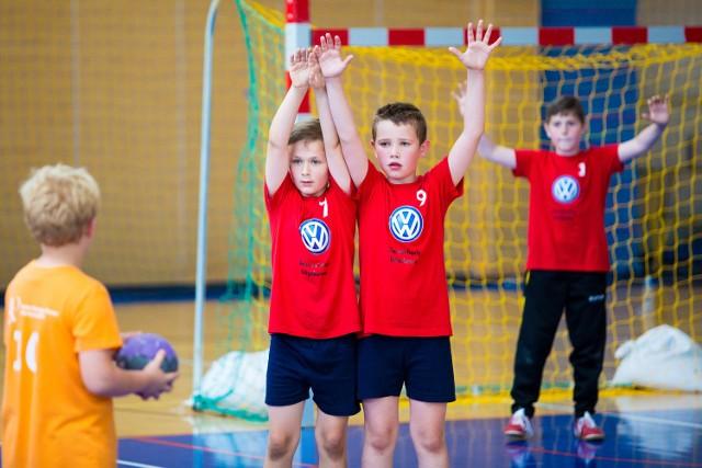 Finałowa rywalizacja w Pucharze Volkswagen Poznań Mini Handball to dla trzecioklasistów odpowiednik finału MŚ seniorów w Katarze.