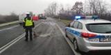 Tragiczny wypadek w miejscowości Steklin na krajowej 10 pod Toruniem. Dwie osoby nie żyją [zdjęcia]