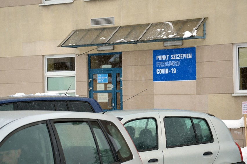 Punkt Szczepień Powszechnych w szpitalu w Stalowej Woli...