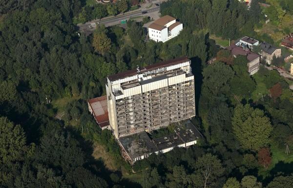 Sosnowiecki Szkieletor, czyli niedokończona siedziba Śląskiej Akademii Medycznej w rejonie ul. Ostrogórskiej od lat szpeci krajobraz miasta.