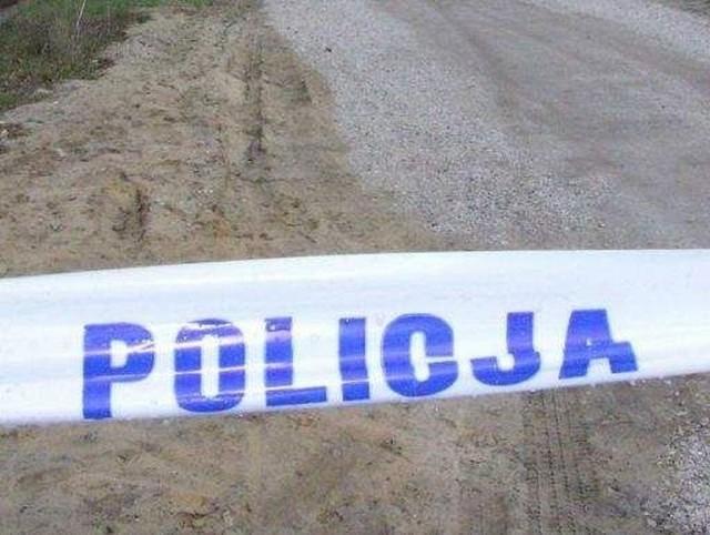 Tragedia w gminie Śniadowo. W miejscowości Zagroby rodzice zostali zamordowani, a ich syn popełnił samobójstwo