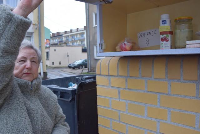 Szafkę w podwórku przy ul. Sikorskiego pani Krystyna musiała zdjąć. Nie poddała się. Ma już drugą, większą, bliżej ulicy