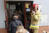 Alarmy bombowe w świętokrzyskich szkołach! Ktoś zagroził, że ładunki są w salach gdzie odbywa się egzamin maturalny