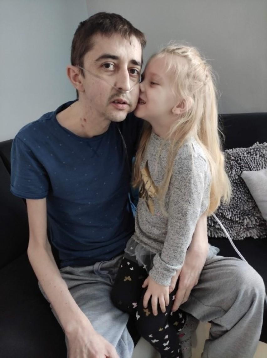 Walka o lek dla piłkarza Pszczółek Krzyśka Talaśki, który czeka na przeszczep płuc. Potrzebna pomoc!