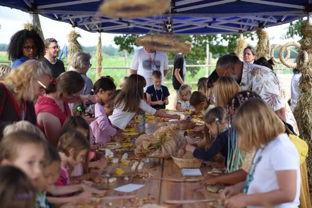 Bazarek Natury na ludowo. Zdrowa żywność, warsztaty dla dzieci i koncert.