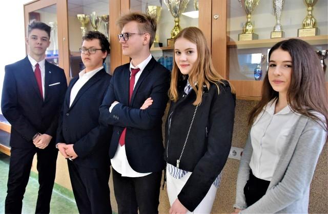 Iwo, Patryk, Marcel, Kinga i Ola ze Szkoły Podstawowej nr 21 im. Królowej Jadwigi