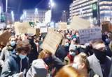 Strajk kobiet w Katowicach zgromadził 20 tys. protestujących przeciw zaostrzeniu ustawy antyaborcyjnej i rządom PiS
