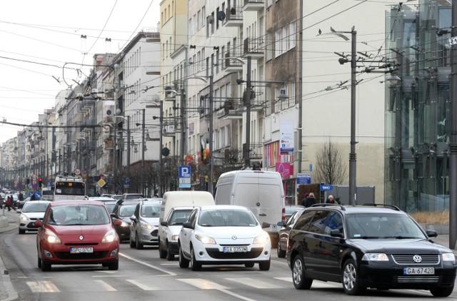 Kolejne badania natężenia ruchu na ul. Świętojańskiej zaplanowano na koniec maja. Wtedy to ulica ponownie zostanie zamknięta dla ruchu drogowego. Badania robiono też na ul. Starowiejskiej
