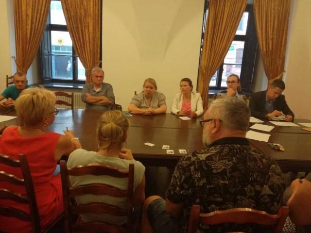 Spotkanie przedstawicieli Rady Dzielnicy Stare Miasto, mieszkańców, przedsiębiorców i organizatorów LGS