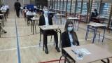 Matura 2021: Czy maturzyści będą szczepieni przed egzaminem dojrzałości? Minister Przemysław Czarnek odpowiada