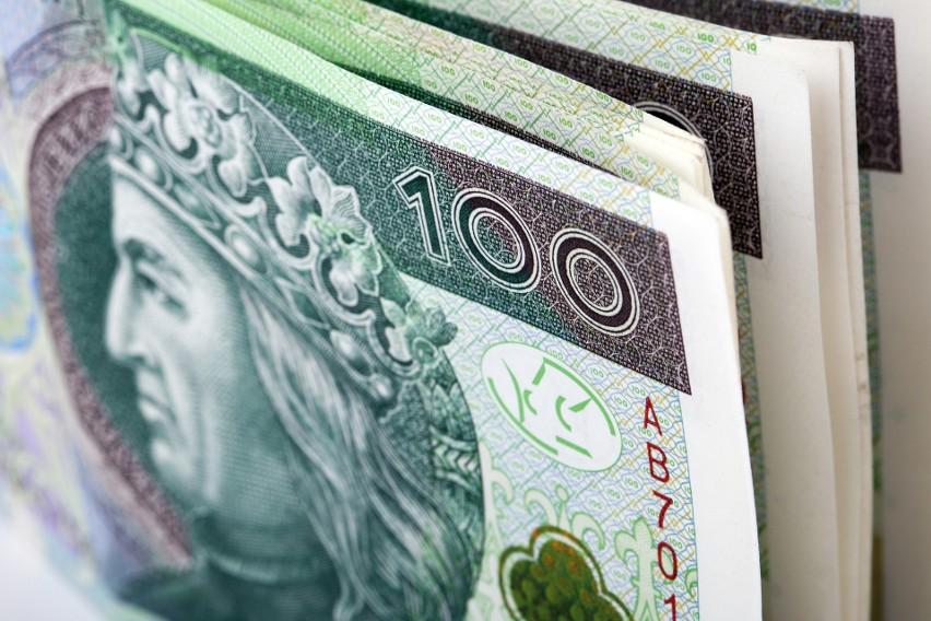 Zarządzanie finansami domowymi to umiejętność, która wymaga...