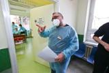 Wrocław: Szpital wstrzymuje szczepienia przeciwko koronawirusowi