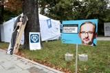 Białe miasteczko w Warszawie. Wiceminister zdrowia Piotr Bromber: Nie byłem w białym miasteczku, próbowaliśmy rozmawiać w inny sposób