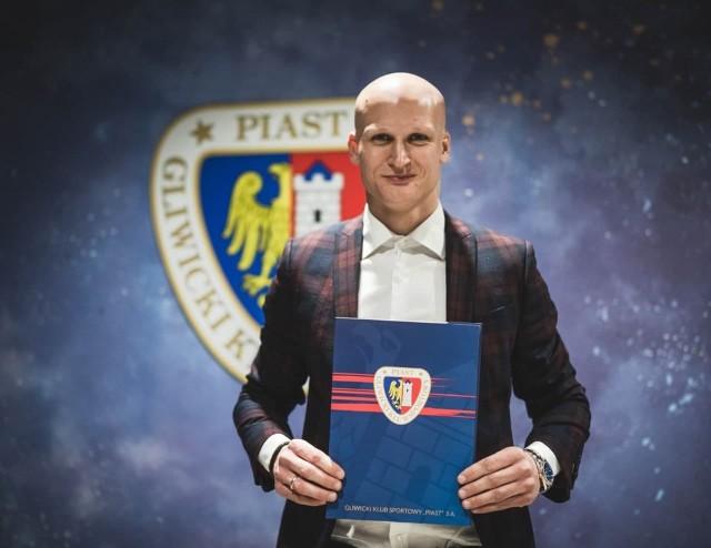 Jakub Czerwiński przedłużył umowę do grudnia 2023 roku