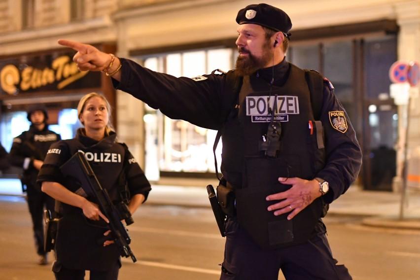 Austria: Zamach terrorystyczny w Wiedniu. Policja informuje o 3 zabitych i 15 ciężko rannych. Zamachowiec zostawił wiadomość