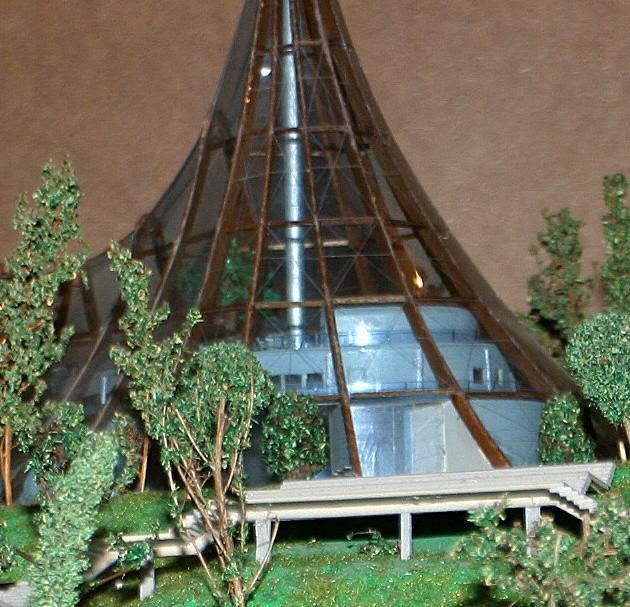 Szklana piramida Renaty Szymańskiej-Obidzińskiej jest zbyt droga w realizacji i nie zakłada przebudowy schodów