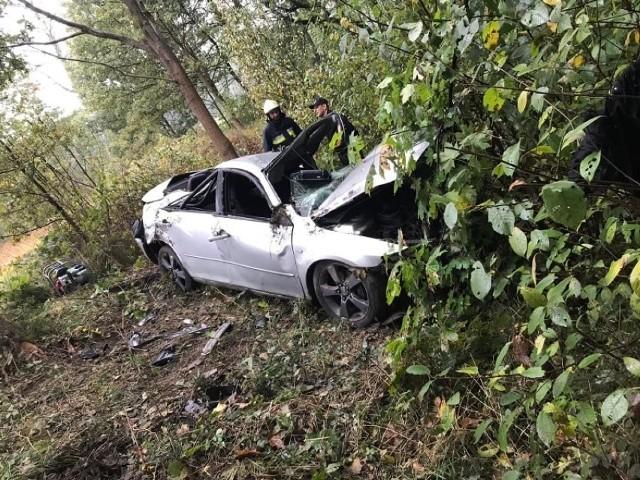 Do tragicznego wypadku doszło w środę, 13 października 2021 rano, w gminie Rusiec. Niestety 48-letni kierowca nie przeżył