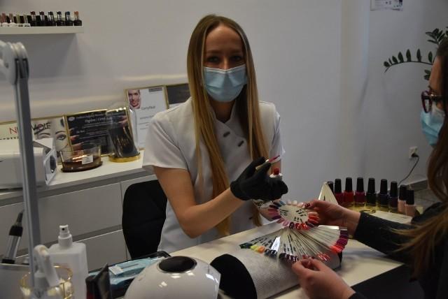 Justyna Ormińska otworzyła salon kosmetyczny w czasie pandemii. Pomoc finansową na start otrzymała z Powiatowego Urzędu Pracy w Grudziądzu. To bezzwrotna dotacja